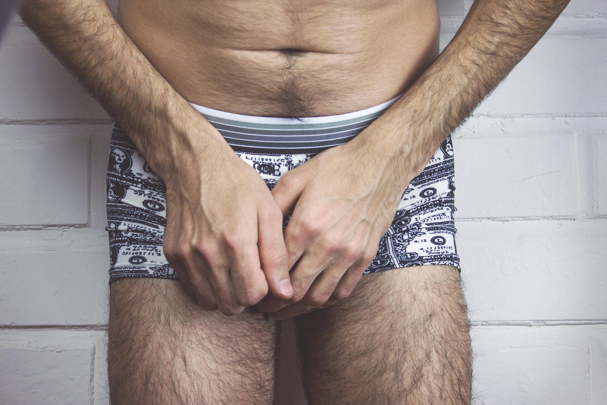 Elképesztően nagy pénisze van a férfinak - Videó! (18+)