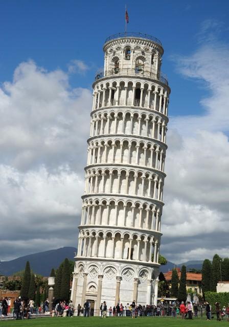 Pisa-i ferde torony