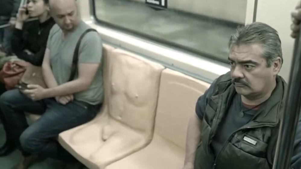 Pénisszel riogatják a nőket zaklató férfiakat a metrón Mexikóban