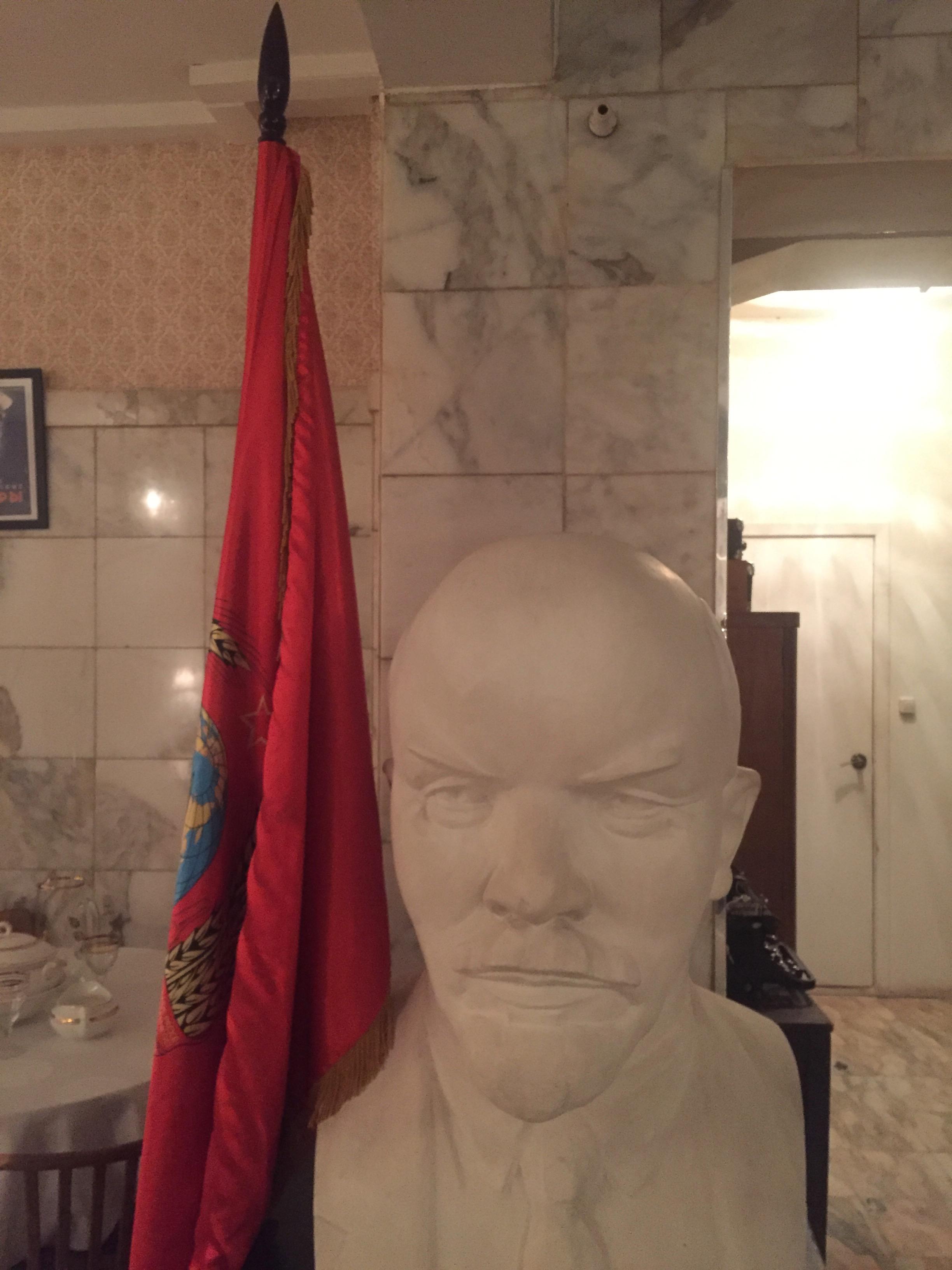 Bacilusként fertőzték meg Leninnel a végelgyengült Romanov-sast
