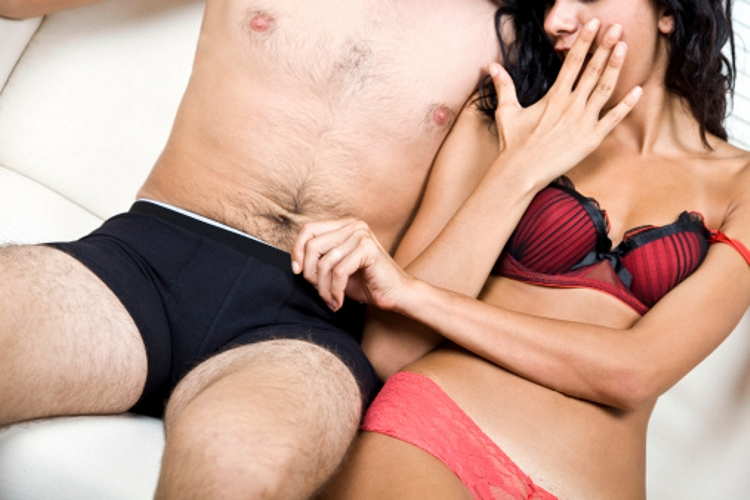 hogy a pénisz kőként álljon a pénisz elektromos stimulálása