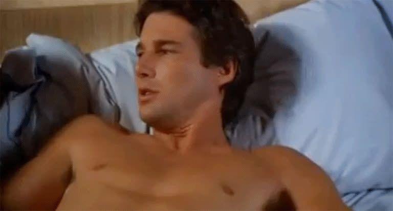 férfiak meztelen pénisz pumpál egy erekciót